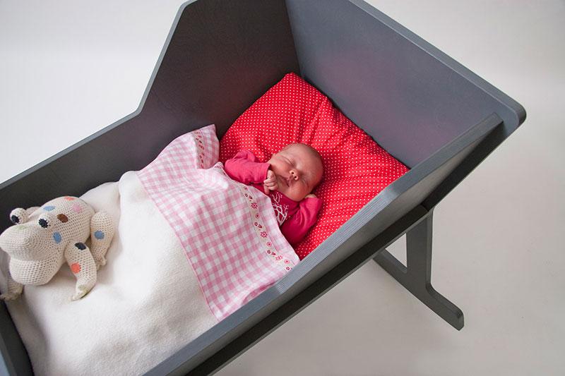 Кровать качалка для малыша своими руками