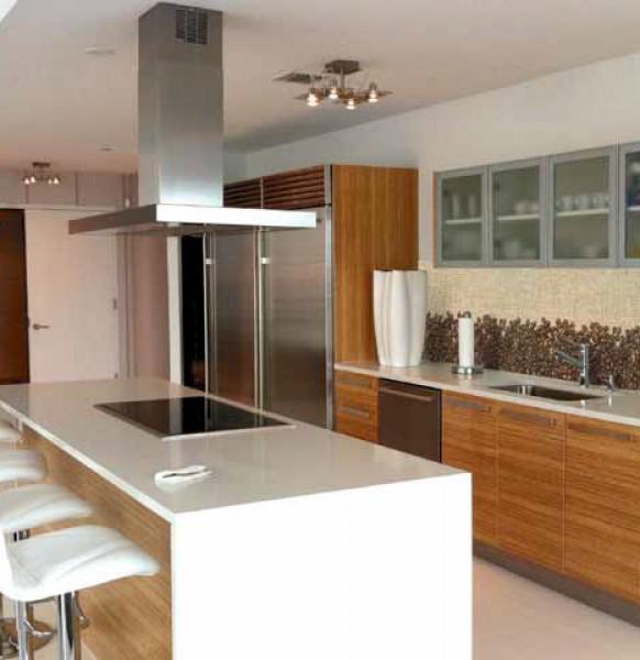 кухня с фартуком.48
