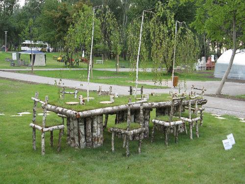 стол с травой.10