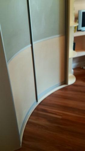 радиусный шкаф купе ваниль плюс фисташка 2