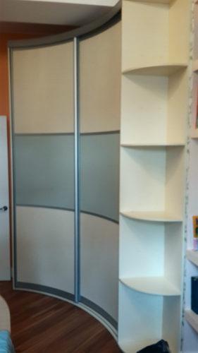 радиусный шкаф купе ваниль плюс фисташка
