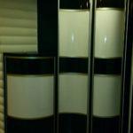 Распашной радиусный шкаф